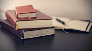 WEBライター副業の勉強はまずは本から